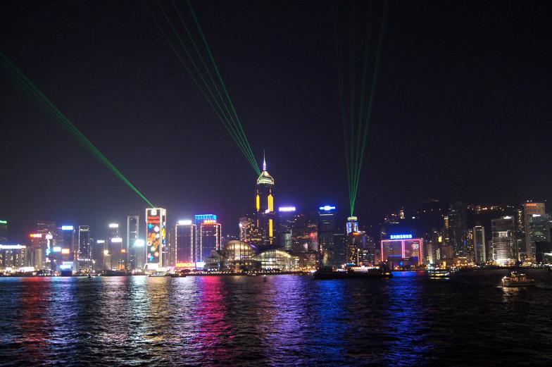 Laser- und Musikshow mit Blick auf Hongkong