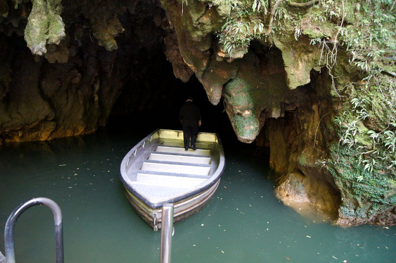 Die Bootsfahrt führt aus den Waitomo Glowworm Caves