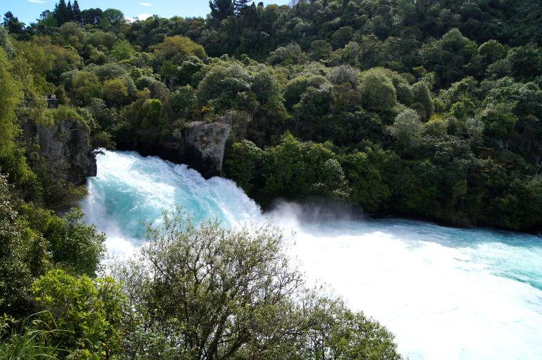 Sehenwuerdigkeiten Huka Falls in Taupo Neuseeland