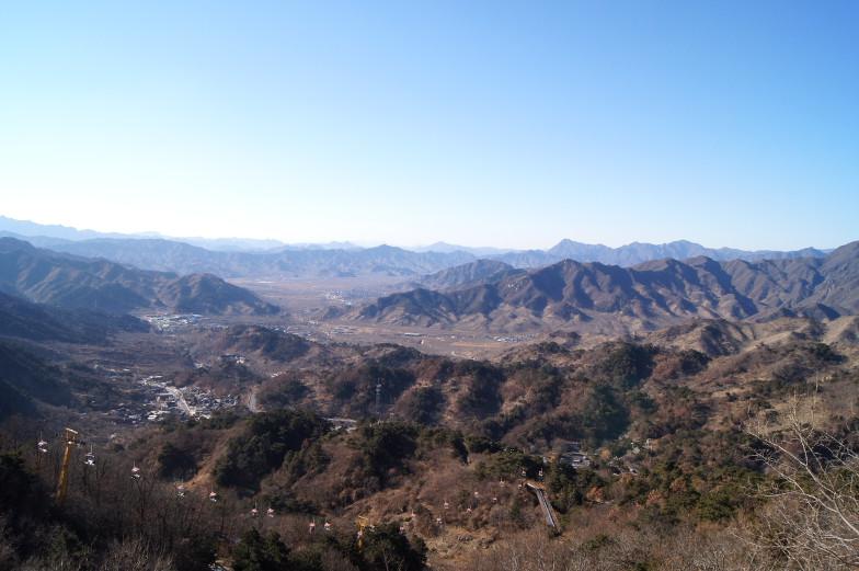 Peking Ausflugstipp Chinesische Mauer mit Blick auf Gebirge