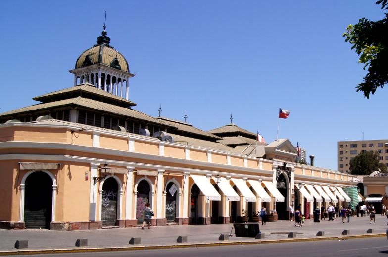 Frisches Fleisch, Fisch und Obst im Central Market Santiago de Chile