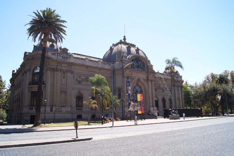 Blick auf das Museum in Bellas Artes Santiago de Chile