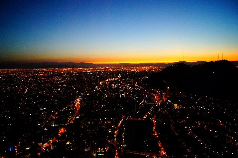 Sky Costanera Lichtermeer Sonnenuntergang Ausblick Santiago