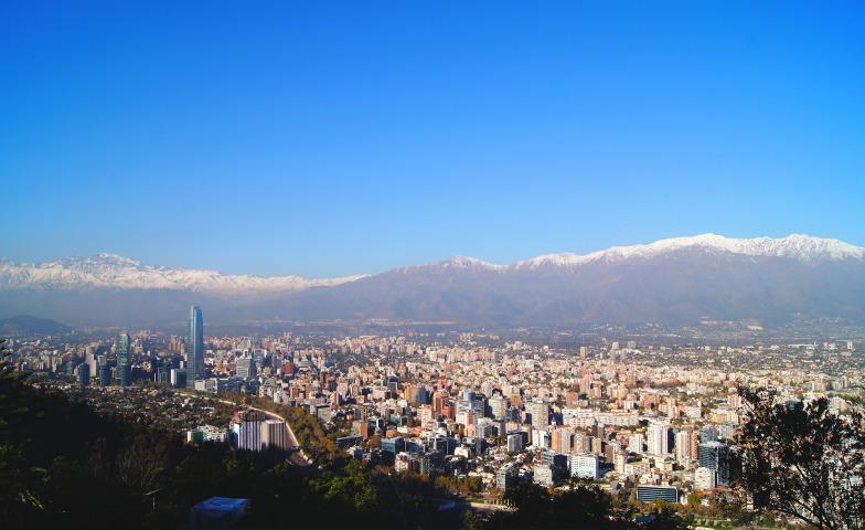 Cerro San Cristobal schoene Ausblick auf Santiago de Chile