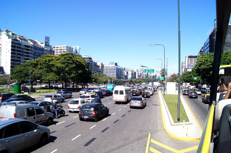 Die breiteste Strasse der Welt gibt es in Buenos