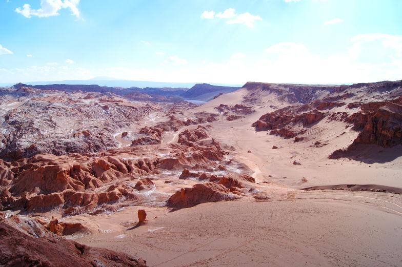 In der in der Atacama Wueste gibt es auch Salzberge zu sehen