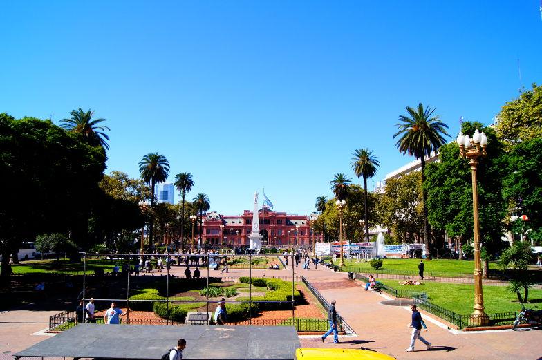 Auf dem Plaza de Mayo in Buenos Aires steht der Praesdentenplatz