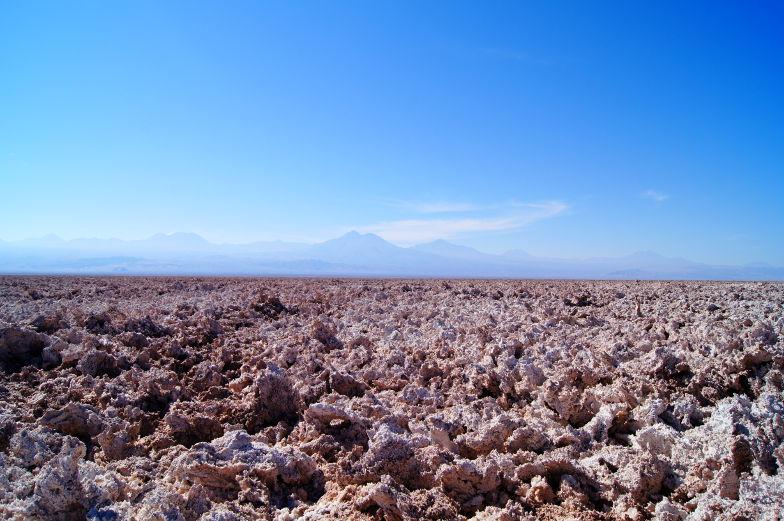 Salzsee und Vulkane in der Atacama Wüeste