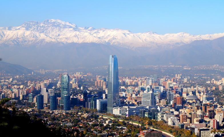 Ausblick auf Costanera und die Anden Santiago de Chile