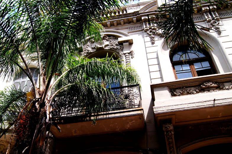 Jedes Gebaeude ist eine Sehenswuerdigkeit von Montevideo