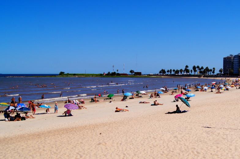 Sandstrand im Stadtteil Pocitos in Montevideo