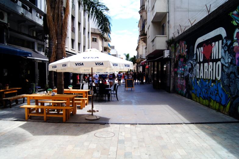 Wenn du in Restaurants in Montevideo mit Visakarte zahlst bekommst 18 Prozent Rabatt