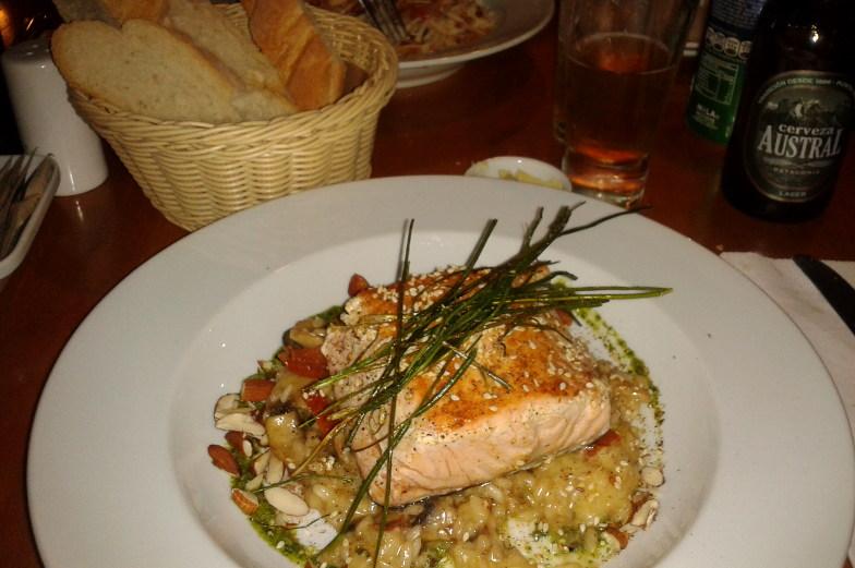 Frischen Lachs gibt es in verschiedenen Restaurants in Santiago de Chile