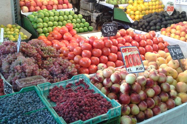 Frisches Obst auf dem Markt in Santiago de Chile