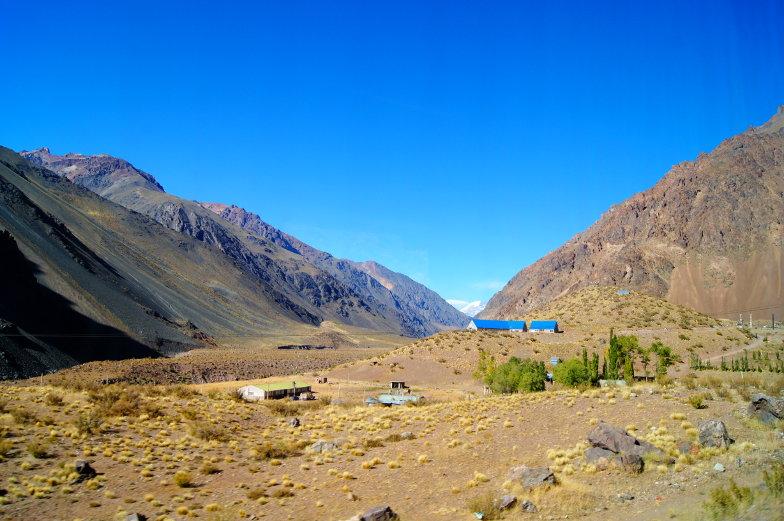 Eine unglaublich schoene Strasse mit dem Bus von Chile nach Argentinien