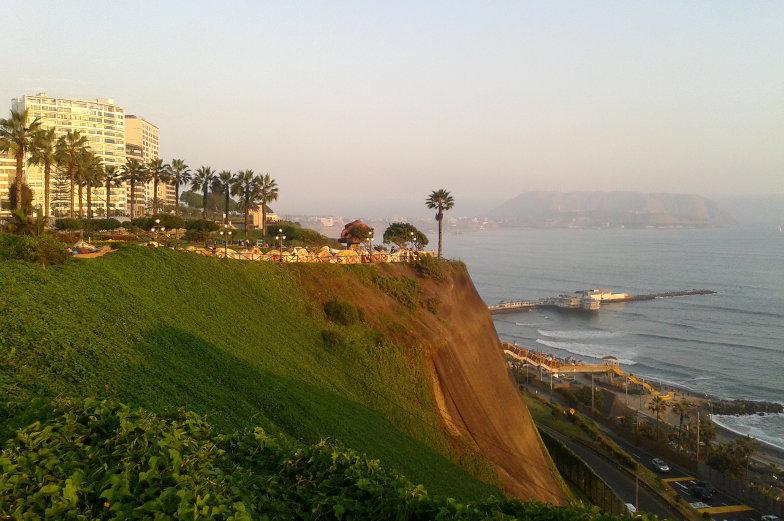 Lima Ausflugstipp Promenade in Miraflores mit Blick auf den Pazifik