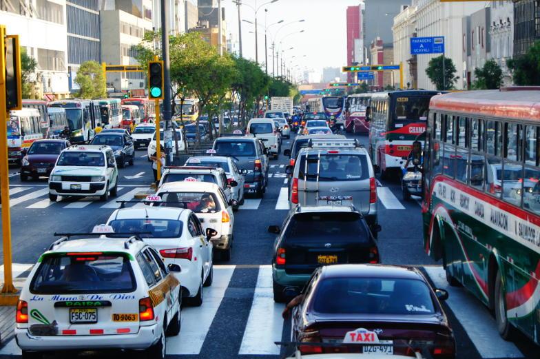 Stau im Nachmittagsverkehr in Lima