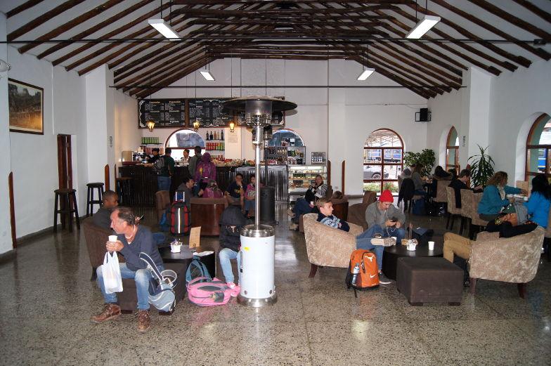 Von Poroy startet der PeruRail nach Aguas Calientes Machu Picchu