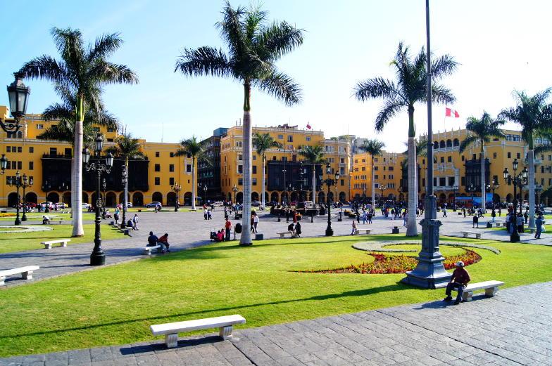 Sehenswuerdigkeiten Plaza de Mayor Zemtrum der historischen Altstadt Limas