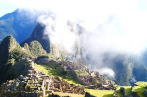 Wolken am Machu Picchu kommen sehr oft vor. Wetter aendert sich am Machu Picchu sehr schnell