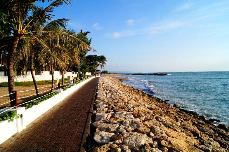 Promenaden laden einen zum joggen ein auf Bali