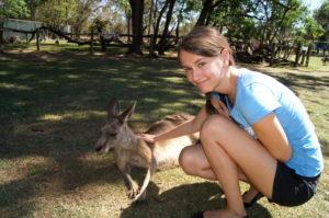 Weltreise Erlebnis Australien Kanguru fuettern