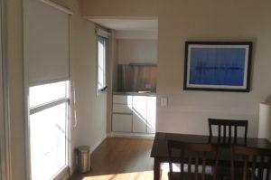 Airbnb Apartment mit eigener Kueche und Esszimmer