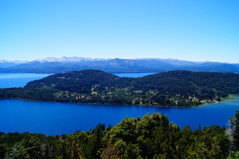 Berge und Seen im Blick vom Cerro Campanario in Bariloche