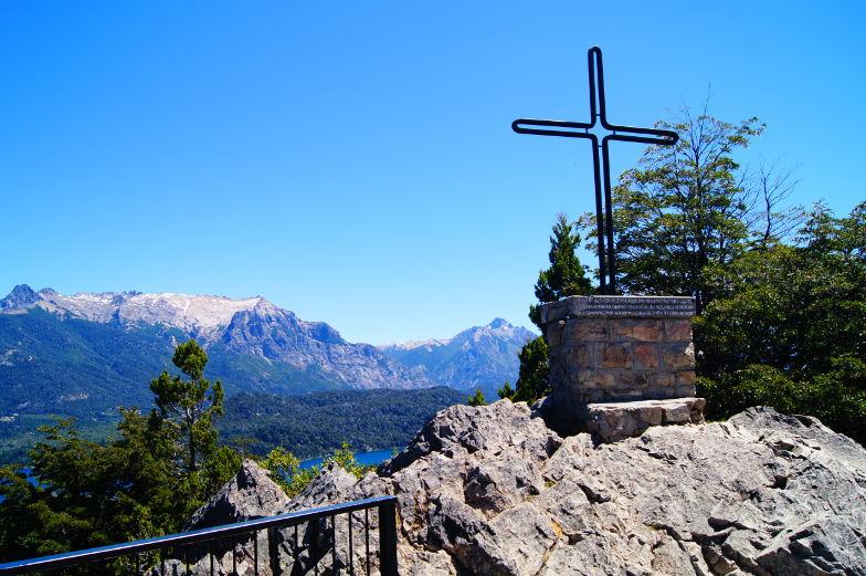 Das Gipfelkreuz auf dem Cerro Campanario in Bariloche