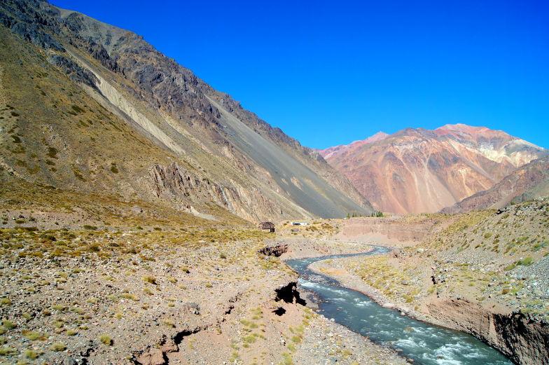Buch dir das Busticket von Santiago nach Mendoza und erlebe eine geniale Busfahrt