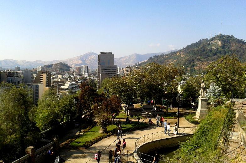 Im Park Santa Lucia kann man spazieren und hat eine schönen Blick auf die Santiago de Chile