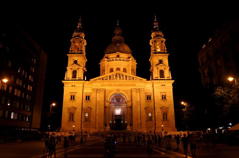 Insidertipp Basilika bei Nacht Budapest Sehenswuerdigkeit