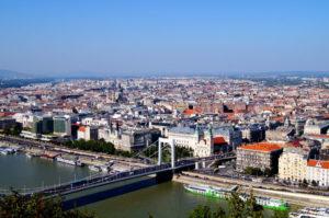 Blick auf die Stadt vom Gellertberg Budapest Sehenswuerdigkeiten