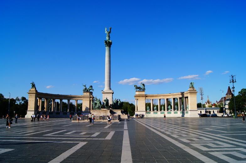 Heldenplatz Budapest Sehenswuerdigkeiten Tipps