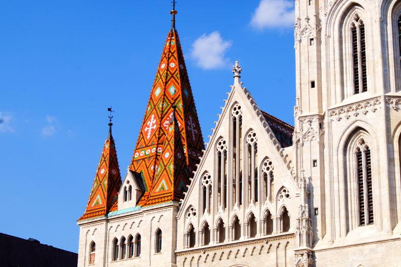 Insidertipps Matthiaskirche buntes Dach Budapest