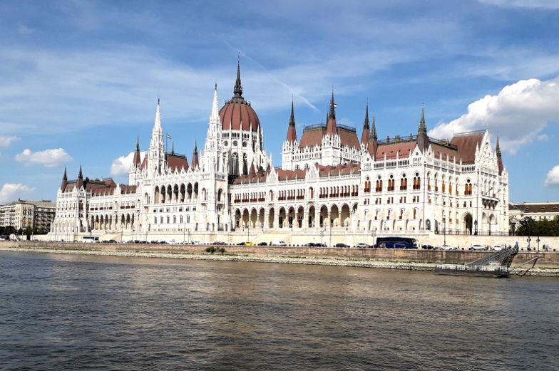 Sehenswuerdigkeit Parlament an der Donau Budapest Insidertipp