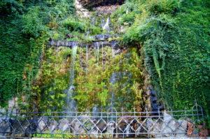 Insidertipp Wasserfall Wanderweg zum Gellertberg Budapest
