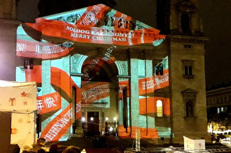 Weihnachtsmarkt Lichterershow Budapest Sehenswuerdigkeiten