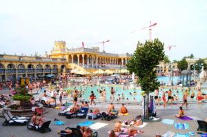 Szecheny Heilbad in Budapest ist das groesste in Europa Fakten ueber Ungarn