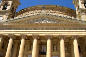 Mosta Kirche besichtigen
