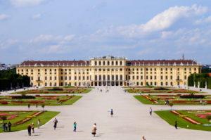 Insidertipp fuer deinen Wien Urlaub Schlosspark Schoenbrunn